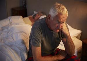 طبيب يقدم روشتة لكبار السن للتخلص من اضطرابات النوم