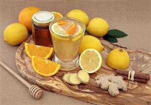 منها عسل النحل بالليمون.. 5 طرق منزلية لعلاج نزلات البرد في فصل الشتاء (صور)