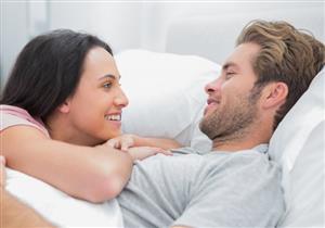 منها اليوجا.. 8 نصائح لعلاقة حميمة أفضل (صور)