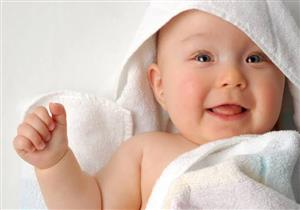 هل استحمام الطفل في الشتاء يعرضه للإصابة بنزلات البرد؟