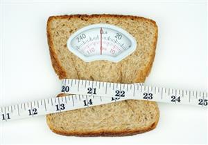 الخبز البلدي أم الفينو.. أيهما أفضل للرجيم؟