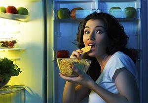 لا تستطيع مقاومة الطعام.. دماغك قد تكون السبب