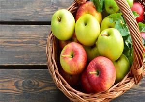 تحمي من الأزمات القلبية.. تعرف على فوائد  تناول تفاحتين يوميًا