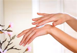 5 طرق طبيعية تخلصك من جفاف اليدين في الشتاء (صور)