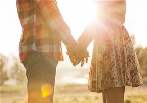 الدخول في علاقة عاطفية يمنحك فوائد صحية لا تتوقعها