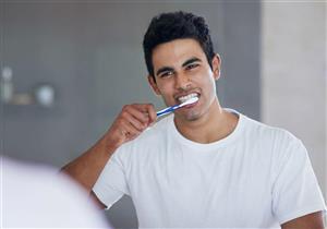 كيف تنظف فرشاة أسنانك؟