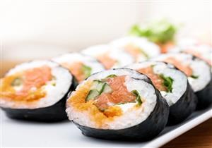 ليس لها علاج.. تناول السوشي يهددك بعدوى خطيرة