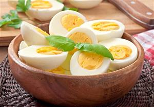 يمكن تناوله بكثرة.. خبراء ينفون هذا الضرر عن البيض
