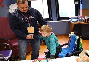 إصابة طفل صغير بمرض نادر بسبب الإنفلونزا (صور)