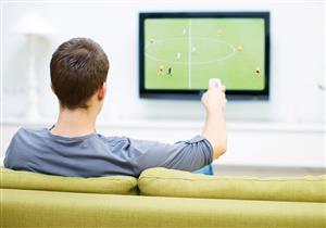 احذر.. الجلوس أمام التليفزيون طويلا يصيبك بمرض خطير