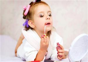 المكياج يسبب هذه المشاكل لطفلك..تجنبيها