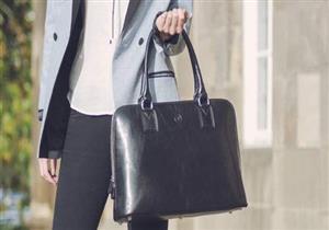 محتويات حقيبة يدك تصيبك بمشكلات صحية.. احذريها