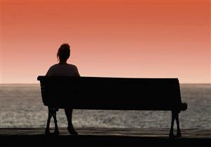 الجلوس بمفردك يعادل شرب 15 سيجارة يوميًا.. وهذه هي أنواع الوحدة