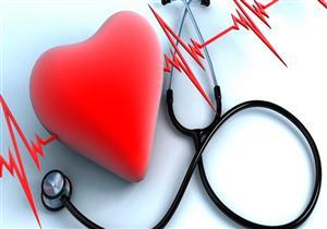 كيف يؤثر الشعور بالسعادة أو الحزن على صحة القلب؟
