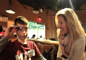 كيف تساعد نظارات جوجل أطفالاً أصيبوا بمرض التوحد؟