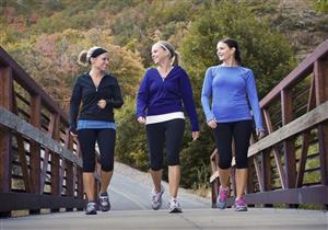 المشي يوميًا يحميك من مرض مفصلي في المستقبل.. تعرف عليه