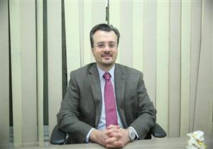 الدكتور أحمد كامل يقدم أحدث علاجات الانزلاق الغضروفي وعرق النسا في بث مباشر