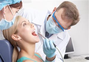 10 أعراض تنذرك بأهمية استشارة طبيب الأسنان
