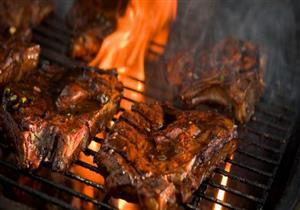 انتبه.. شواء اللحم بهذه الطريقة يسبب نوع خطير من السرطان
