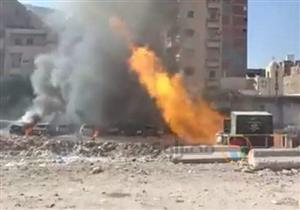 بالصور- اشتعال النيران في ماسورة غاز بالإسكندرية.. والحريق يلتهم 9 سيارات