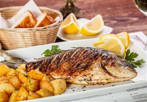 تناول 3 وجبات سمك أسبوعيًا تحميك من مرض خطير