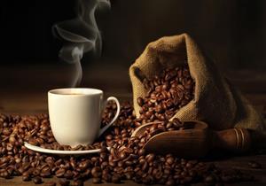 لماذا يفضل تناول كوب من الماء قبل القهوة؟ .. تعرف على السبب