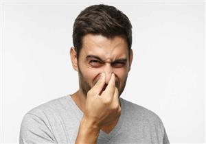 العرق برئ منها.. إليك أسباب رائحة الجسم الكريهة وطرق التخلص منها