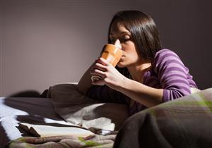 تشكو من صعوبة النوم؟.. مشروبات تساعدك على الاسترخاء ليلًا (صور)