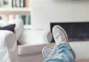 دراسة صادمة.. ارتداء حذائك المتسخ بالمنزل يمنع عن أطفالك مرض خطير