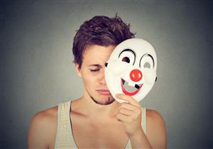 4 علامات تشير إليه.. تعرف على أسباب الاكتئاب المبتسم وطرق علاجه