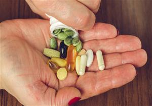 قد تصل إلى الوفاة.. إليك مخاطر الإفراط في تناول مكملات الفيتامينات