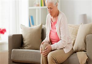 تهدد النساء أكثر من الرجال.. 6 نصائح لوقاية كبار السن من خشونة الركبة