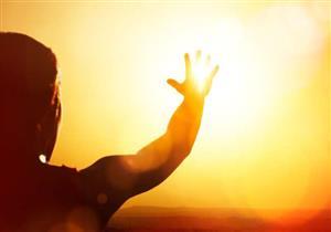 4 أطعمة تحميك من ضربة الشمس في الصيف (فيديوجرافيك)