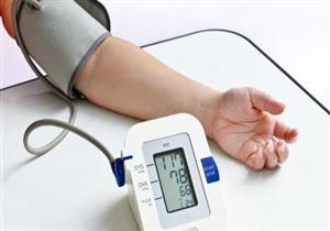 """منها """"تناول 5 وجبات يوميًا"""".. 7 طرق طبيعية تساهم في علاج الضغط المنخفض"""