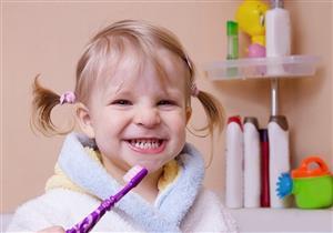 مفاجأة.. تسوس الأسنان اللبنية يهدد طفلك بمشكلات النطق