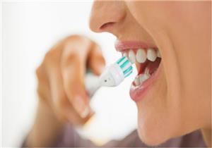 لتبييض الأسنان طبيعيًا.. 10 طرق منزلية تخلصك من الرواسب الجيرية