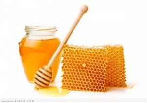 يقوي المناعة ويعالج البشرة.. 6 فوائد لا تتوقعها لشمع العسل