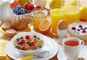 عدم تناول وجبة الإفطار يهدد المراهقين بالسمنة والسكري.. والسبب