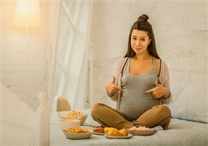 تناول الأطعمة المصنعة خلال فترة الحمل يهدد طفلِك بالتوحد