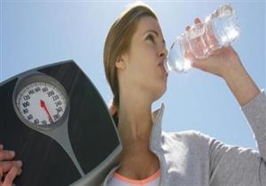 منها شرب الماء.. 8 عادات بسيطة تحميك من زيادة الوزن