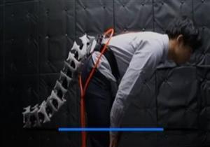 علماء يبتكرون ذيلا آليا لحفظ توازن المسنين