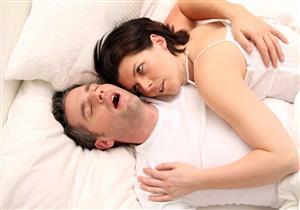 عادة سرية وعلاقة حميمة.. تعرف على أسباب الجنس النومي
