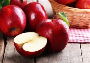 دراسة حديثة: تناول التفاح مع الشاي يحمي من السرطان