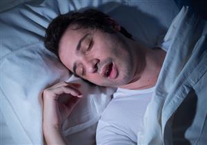 اللحمية من بينهم.. 4 أسباب لتوقف التنفس أثناء النوم (صور)