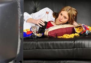 منها اللب الأبيض.. 5 مقرمشات صحية تناولها عند مشاهدة التلفزيون (صور)