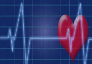 بالتدليك.. كيف تنقذ شخصًا تعرض قلبه للتوقف؟