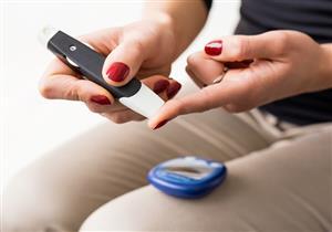 أبرزها نزيف اللثة.. 8 علامات تنذر مرضى السكري بارتفاع السكر بالدم