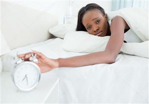 تشعر بالتعب والإرهاق بعد النوم ساعات طويلة؟.. إليك الأسباب والعلاج