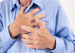 تشبه عسر الهضم.. علامات تنذر بالإصابة بنوبة قلبية خفيفة