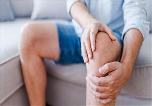 منها الطقطقة عند الحركة.. 4 علامات تنذرك بخطر الإصابة بخشونة الركبة